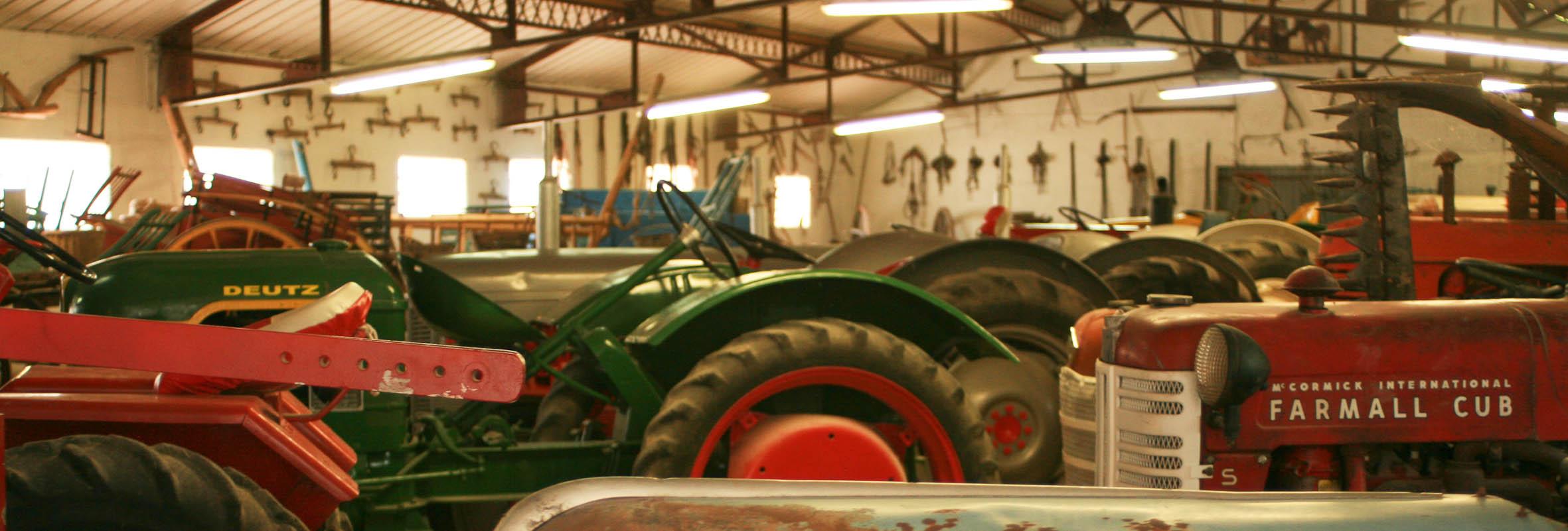 Venez visiter un véritable musée du tracteur !